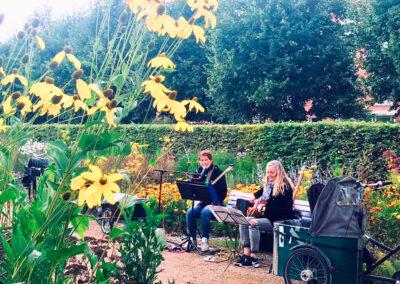Bakom - med Anna Kruse och Lisbeth Rysgaard